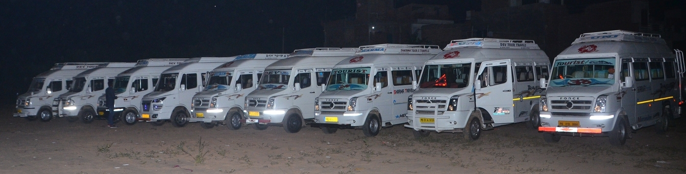 tempo traveller in pathankot